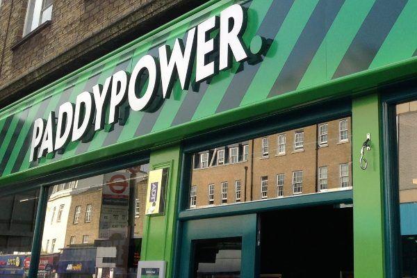 Paddy Power используют в своих точках данные Spotlight