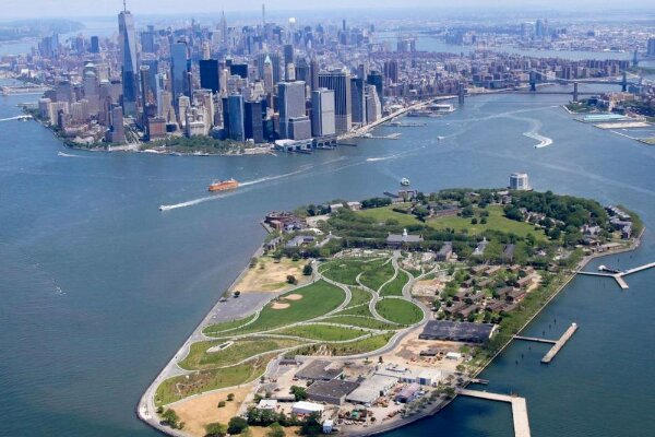Кандидат в мэры предложил открыть казино в акватории Нью-Йорка