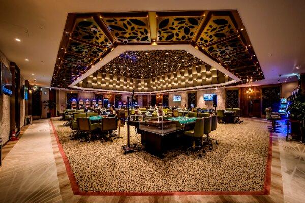 Один из руководителей Landing Casino скрылся с огромной суммой, но уволены 4 дилера из зала