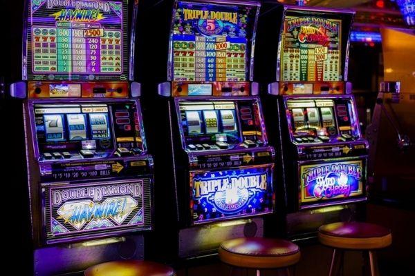 Фото игровых залов казино скачать или сыграть игровые автоматы бесплатно