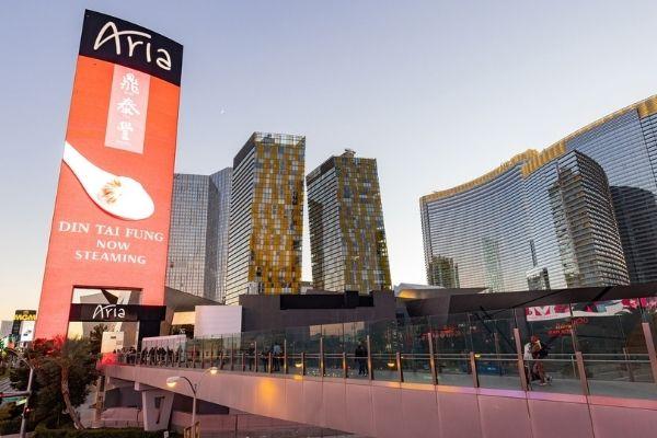 Казино MGM Resorts в Лас-Вегасе возвращаются к 100% заполненности