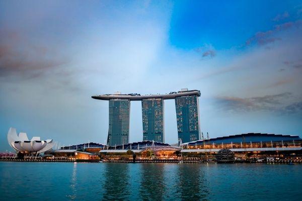 Marina Bay Sands вновь открывает казино
